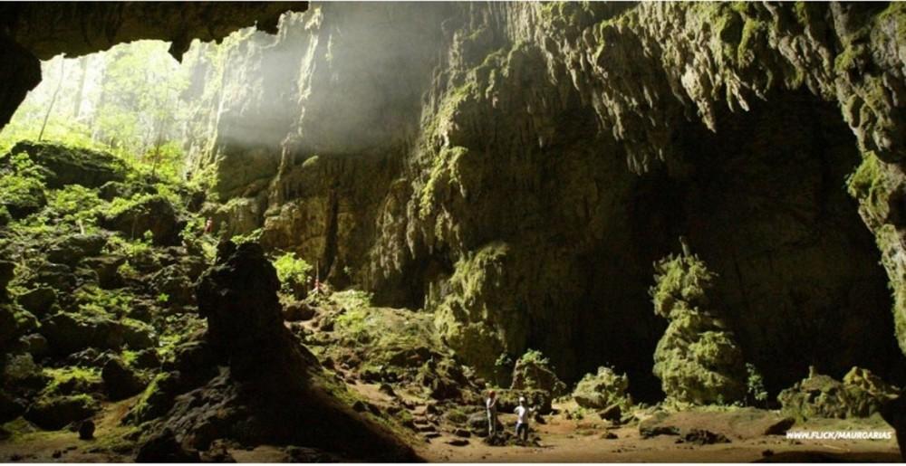 Caves Of Bombil pek