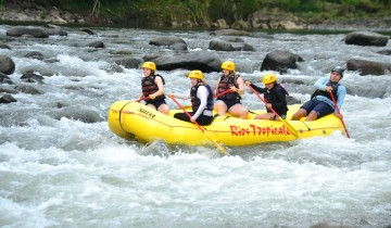 A picture of Pacuare River 3 Day Rafting Adventure