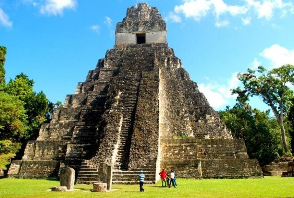Tikal Day Trips