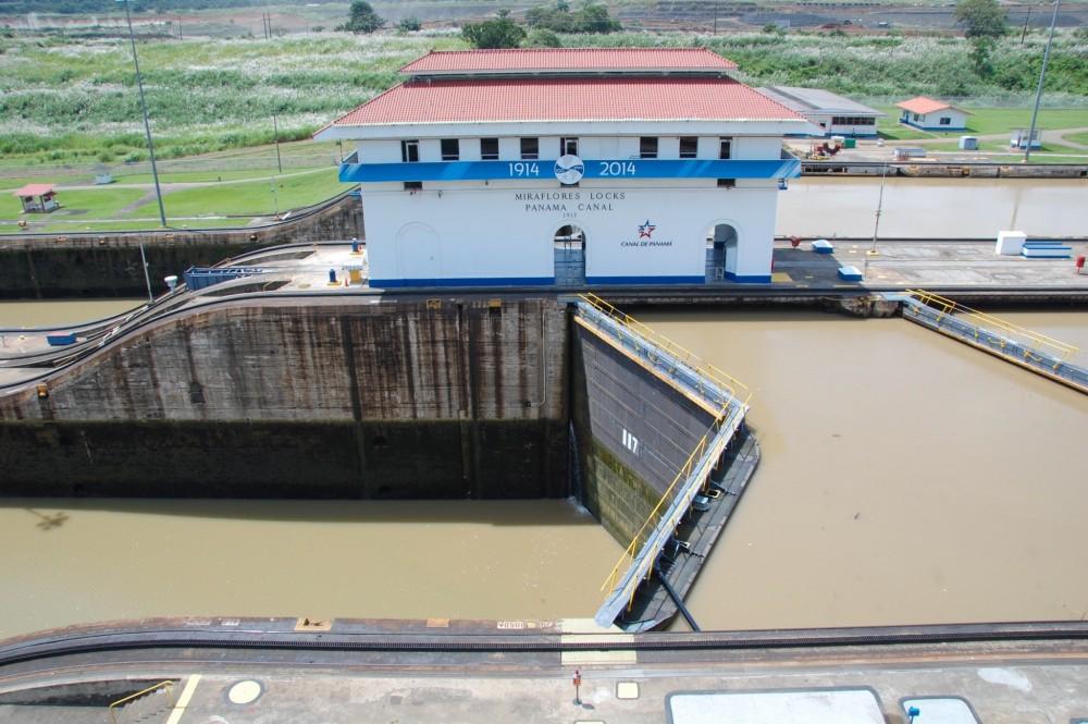 Panama Canal Transit Tour: Partial Transit
