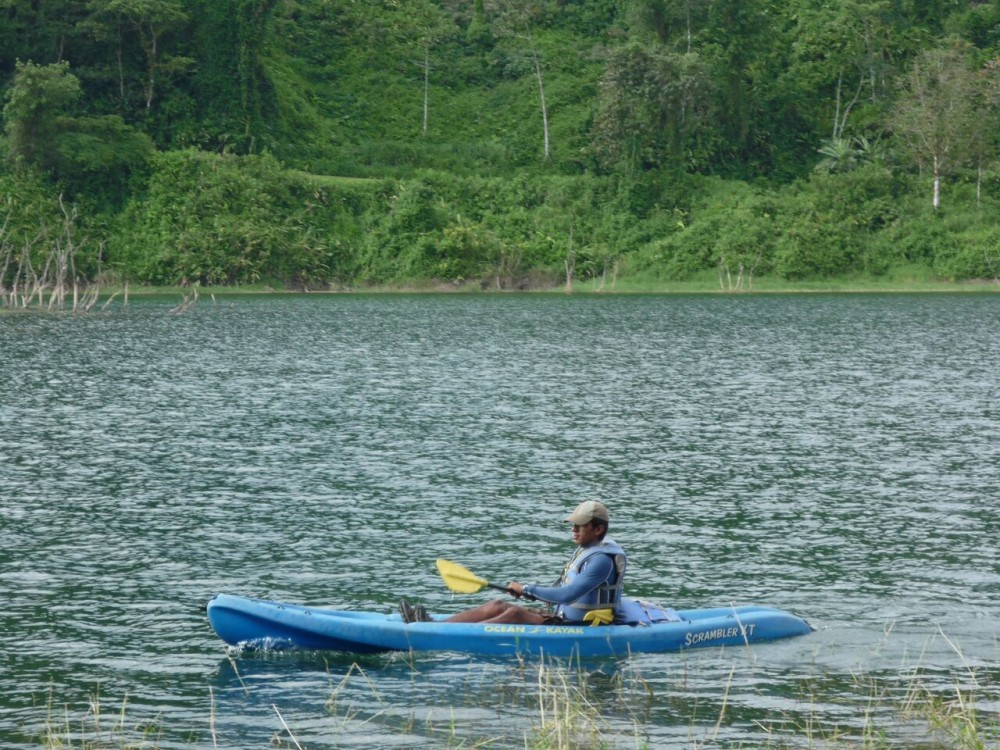 Kayaking at the Penas Blancas River