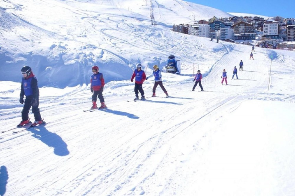 Beginner Ski Tour With Classes At La Parva Resort