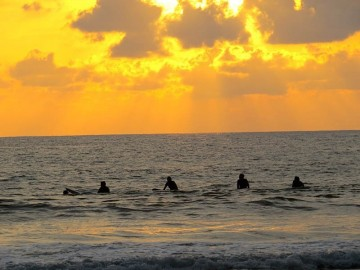 A picture of 10 Days Premium Surf Package
