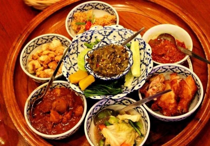 Khantoke Dinner Chiang Mai