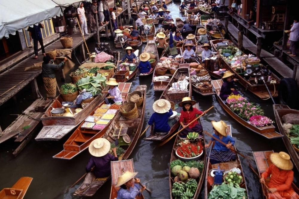 Damnoen Saduak Floating Market With River Kwai