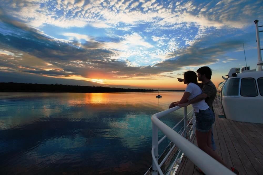Lake Itaipu Catamaran Ride
