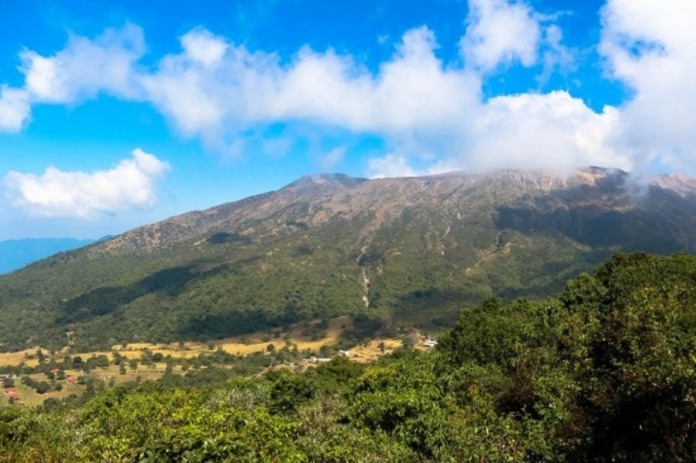 Combo Tour: Volcanoes, Coatepeque Lake & Mayan Sites