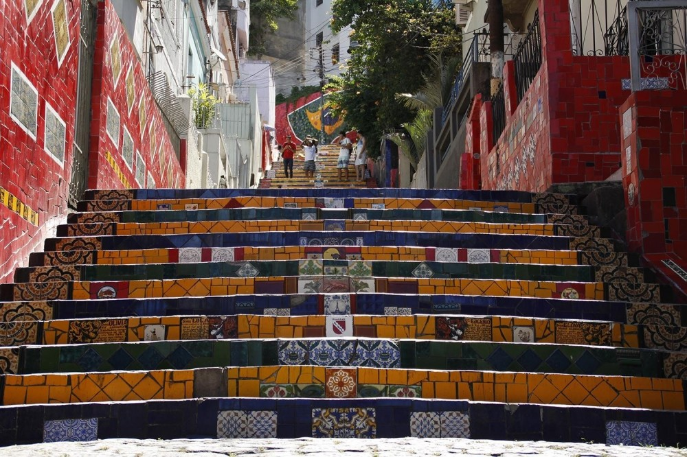 Walking Tour of Santa Teresa and Selaron Steps by Foot