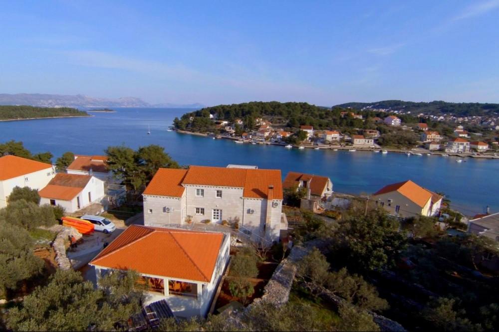 Croatia Yachting Holiday & Island Villa Home Base