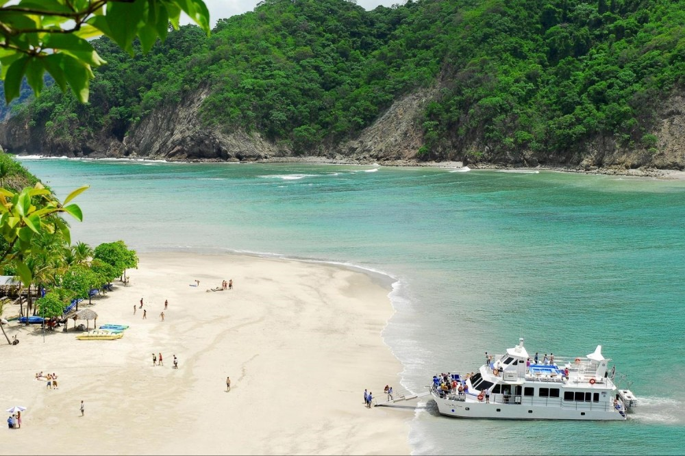 Tortuga Island Tour - Full day