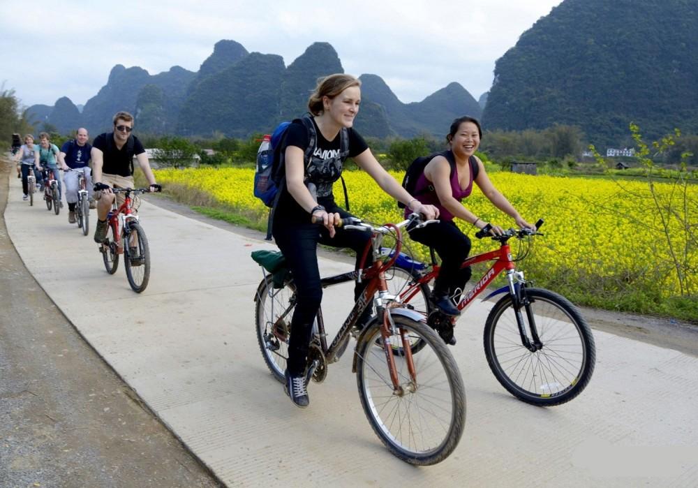 Yangshuo Guided Biking Day Tour including Lunch