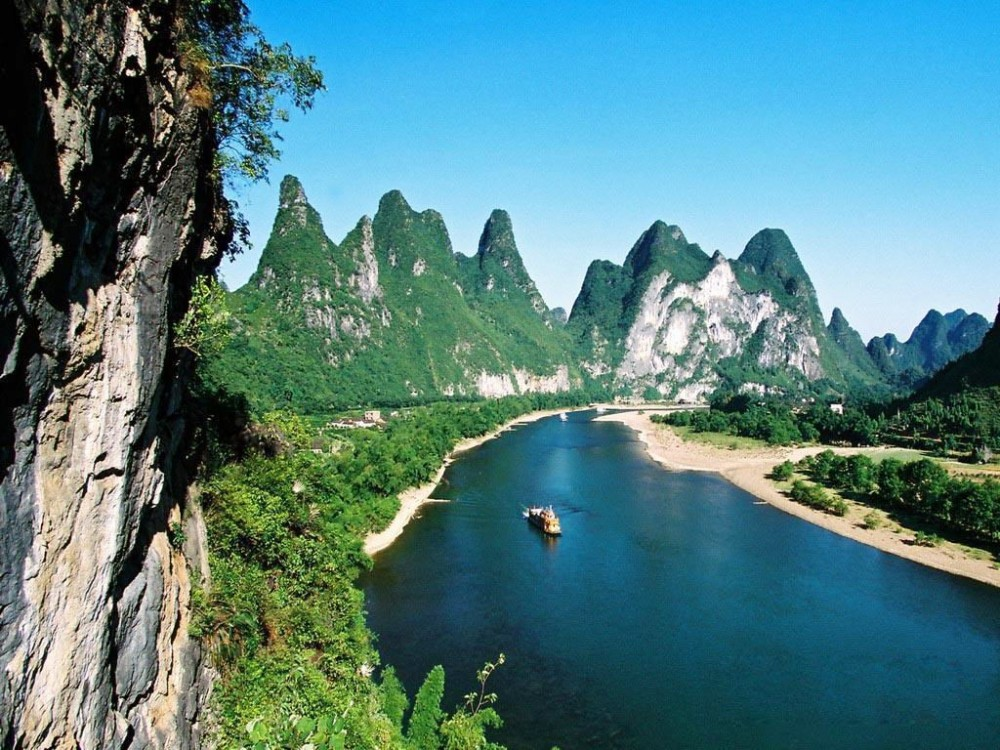Guilin Li River Cruise to Yangshuo including Hotel Transfer