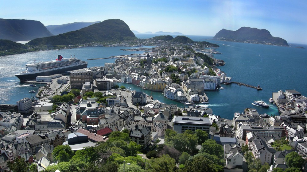 City Sightseeing Hop On Hop Off Alesund