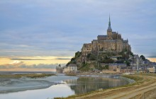 2 Day Mont Saint Michel + Loire Valley Castles Trip