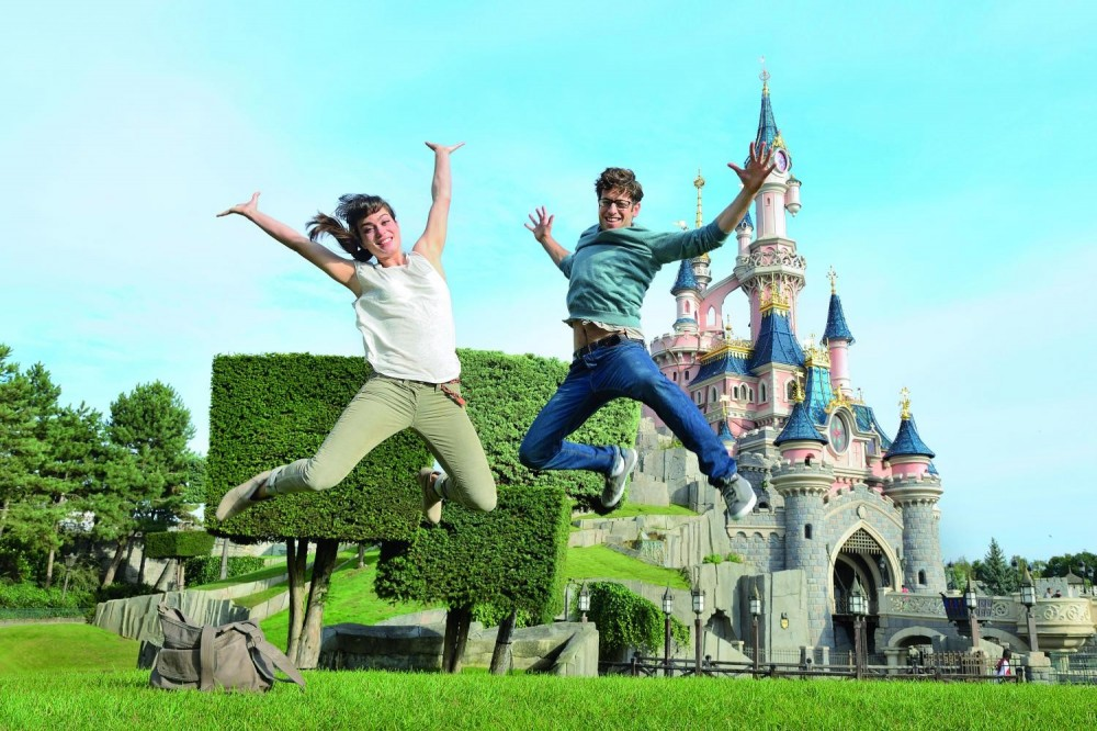 Magic Disneyland - 1 Day, 2 Parks from Paris - Hotel Transfers