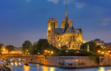 Paris Walking Tour: Louvre + Notre Dame Cathedral + Eiffel Tower