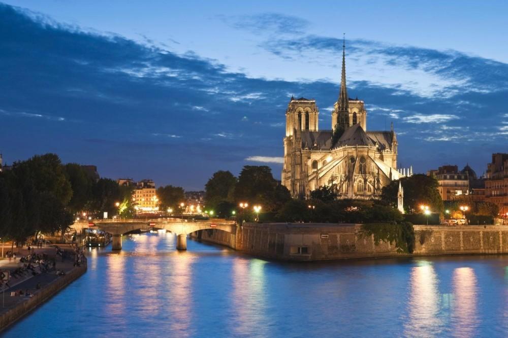 Illuminations Of Paris, Seine River Cruise & the Eiffel Tower
