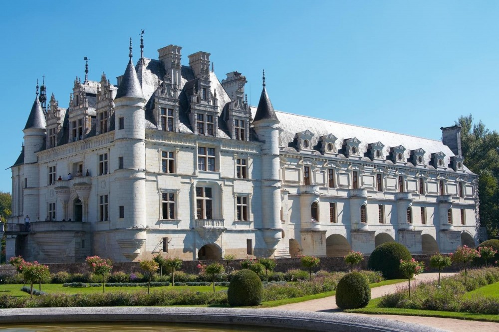 Guided Tour of the Loire Valley Castles with Lunch