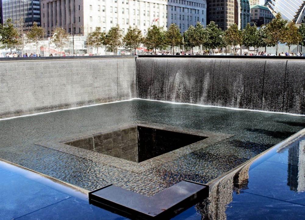 9/11 Ground Zero Tour + 9/11 Museum Entry