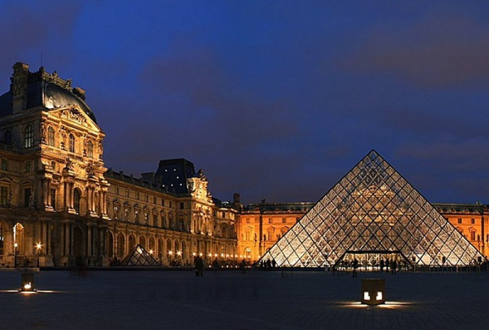 Louvre Uncovered: Scandal & Controversy (Semi Private)