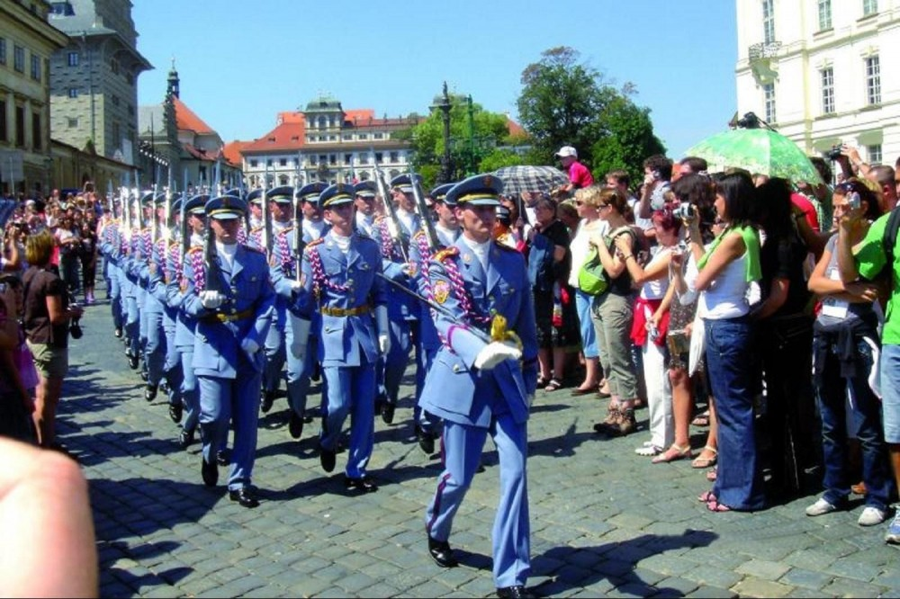 Prague City Tour Including Changing Of The Guard Ceremony