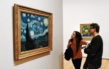 Van Gogh & The Red Light District: Skip The Line Private Tour