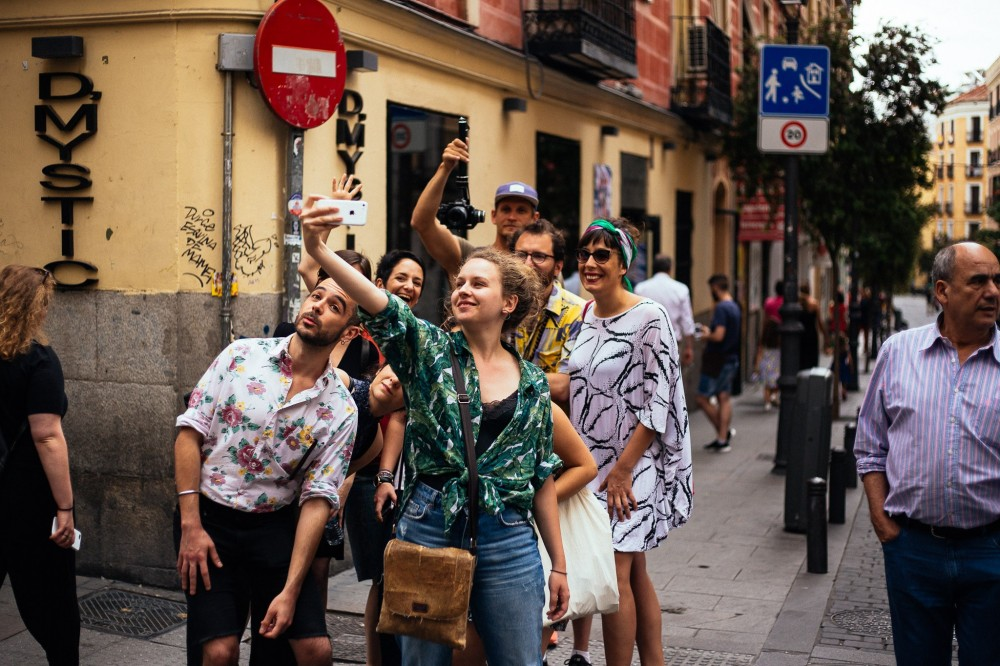 Private: Me Gusta Madrid, Alternative Side with a Local