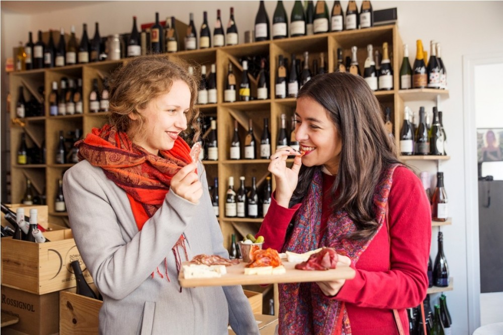 Private: Paris Favorites Food Tour with 10 Tastings