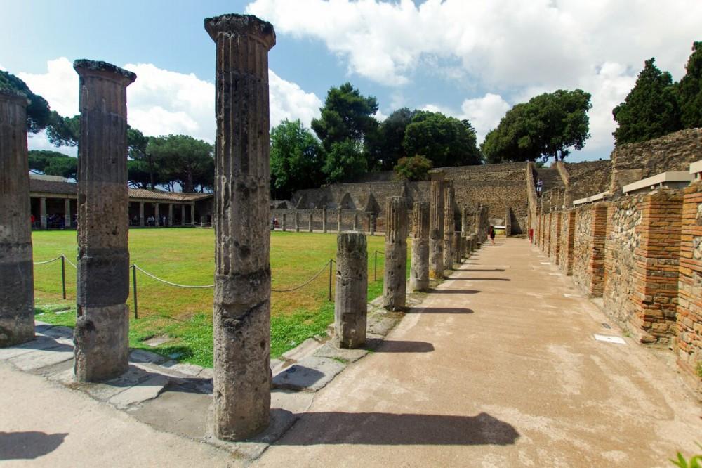 Pompeii From Rome with Amalfi Coast Drive & Positano Stop