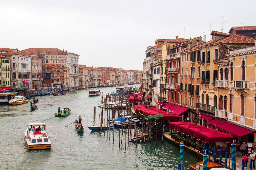 Welcome to Venice - Walking Tour & Gondola Ride
