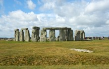Small Group Tour to Stonehenge, Bath and Windsor