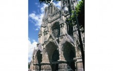 Small Group 2 Day Champagne Superstay Tour with 4* Hotel