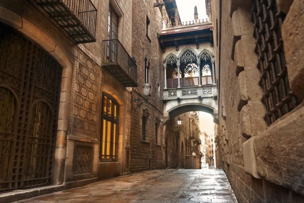 Barcelona in a Day: La Sagrada Família, Casa Milà, Cruise