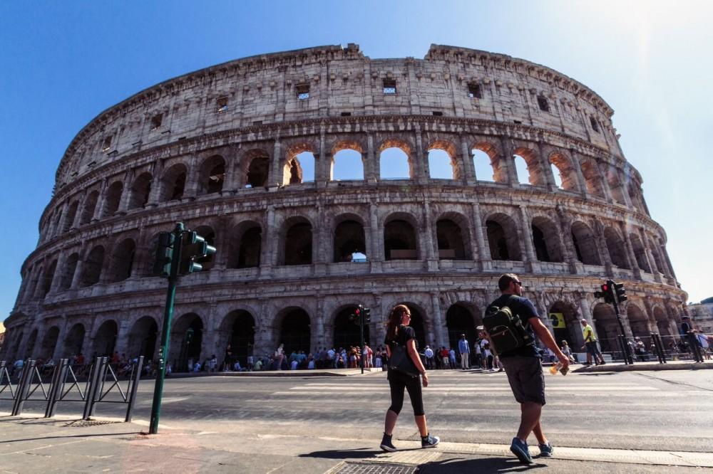 Colosseum Tour w/ Virtual Reality & Gladiators' Barracks Access