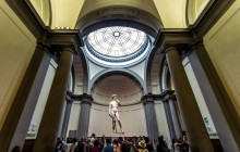 Florence in 4 Hours: Skip the Line David & Uffizi Express Tour
