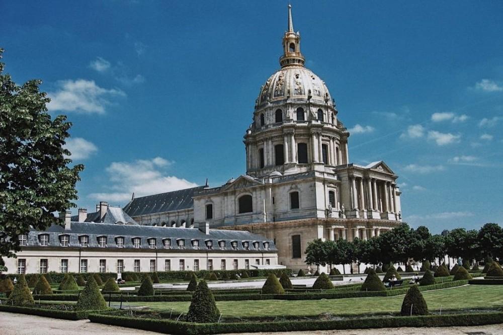 Les Invalides Dome (w/ Tomb of Napoleon) Semi Private Tour