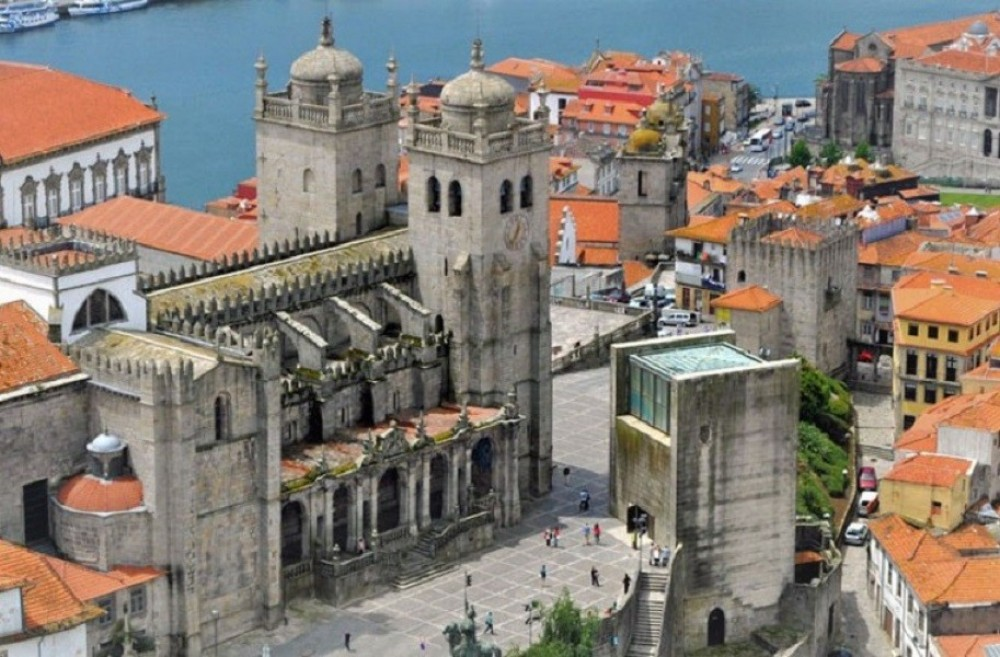 Porto City Tour + 6 Bridges Cruise Half Day