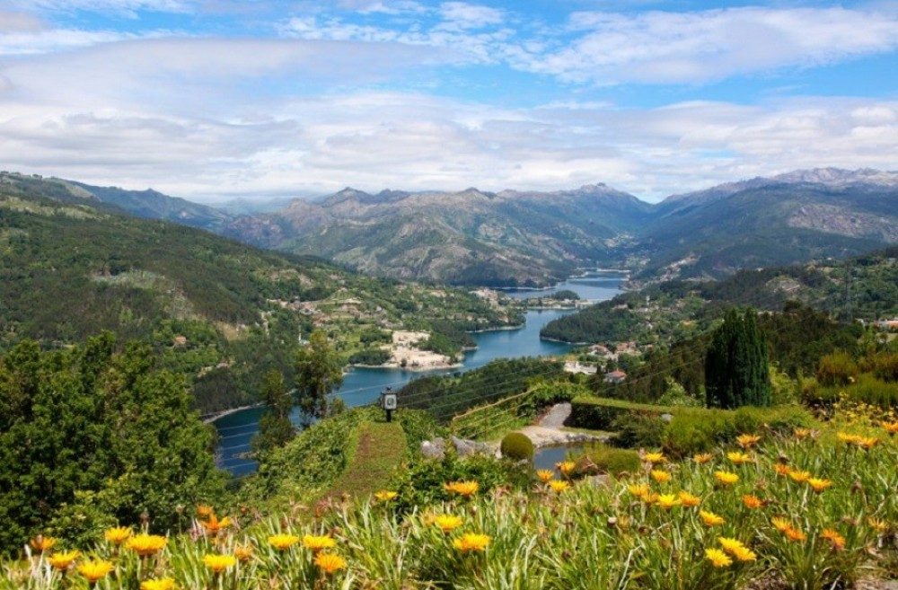Private Geres Tour Full Day Tour from Porto