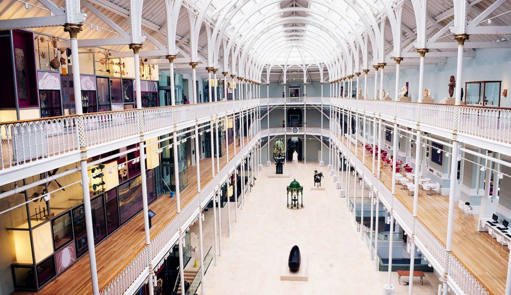 Old Town and National Museum of Scotland Tour with Coffee & Cake