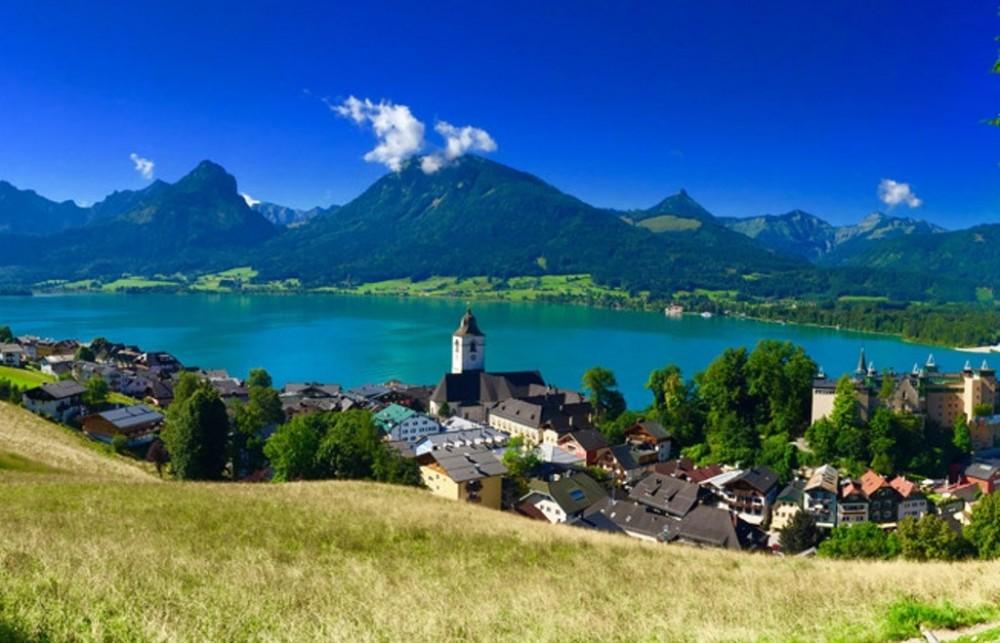Salt Mines & Salzkammergut Lakes and Mountains from Salzburg