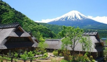A picture of Mt. Fuji and Lake Kawaguchi Guided Hiking Tour from Tokyo