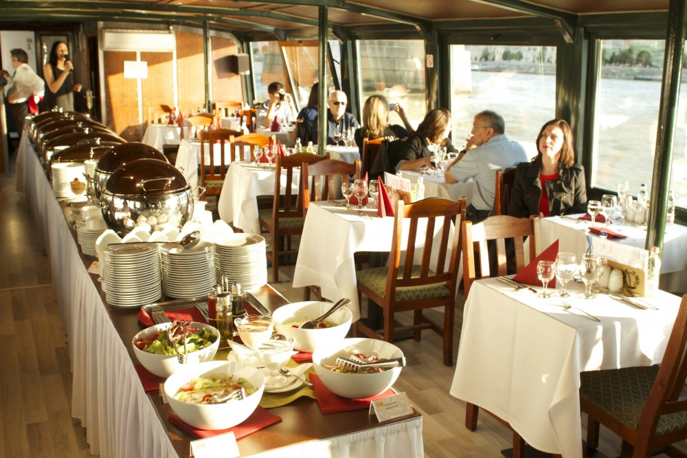 Lunch & Boat Cruise Budapest