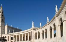 Faith and Heritage: Fátima, Batalha and Óbidos Private Tour