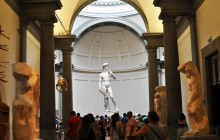 Small Group Accademia Gallery Masterclass by an Art Expert