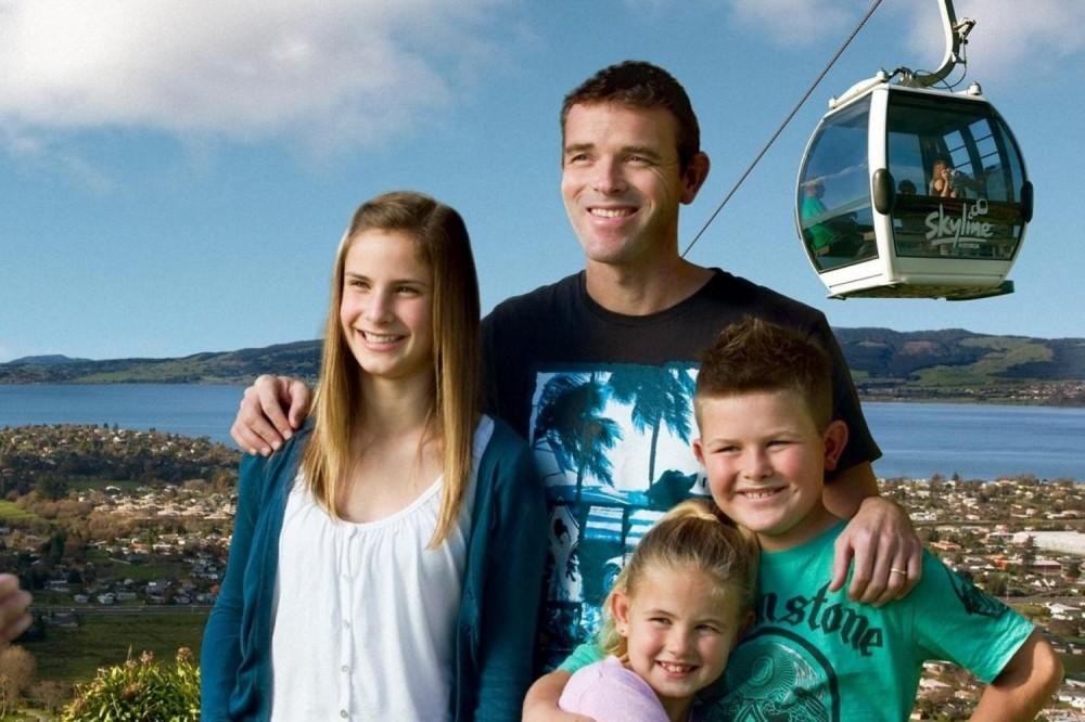 Waitomo & Rotorua with Skyline Gondola - Full Day Tour