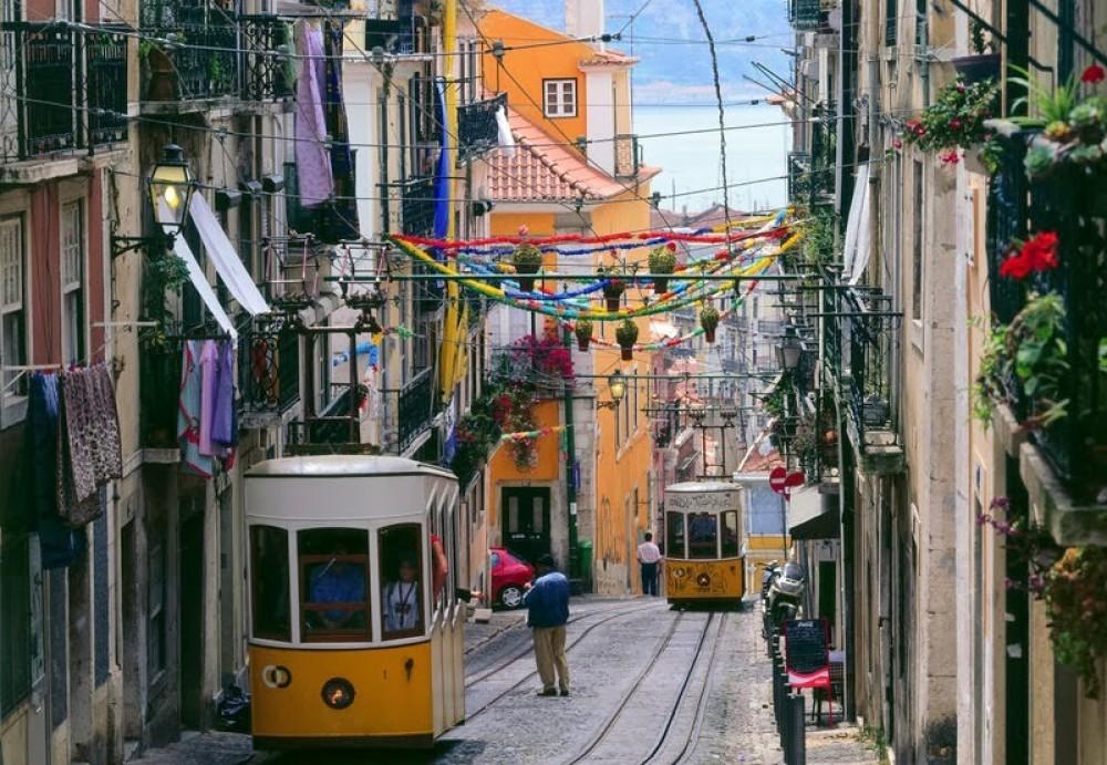 Romantic Lisbon - Tuk Tuk Tour