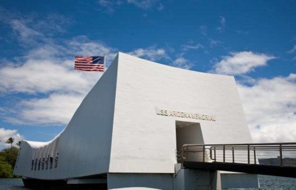 8:30am Stars & Stripes: USS Arizona & Battleship Missouri