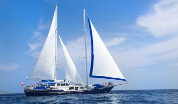 A picture of 8 Day Galapagos Sail on M/S Beagle - Centre Southern Islands