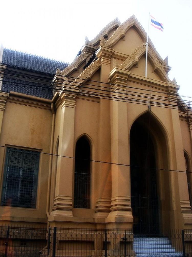 Wat Mahathat Yuwaratrangsarit