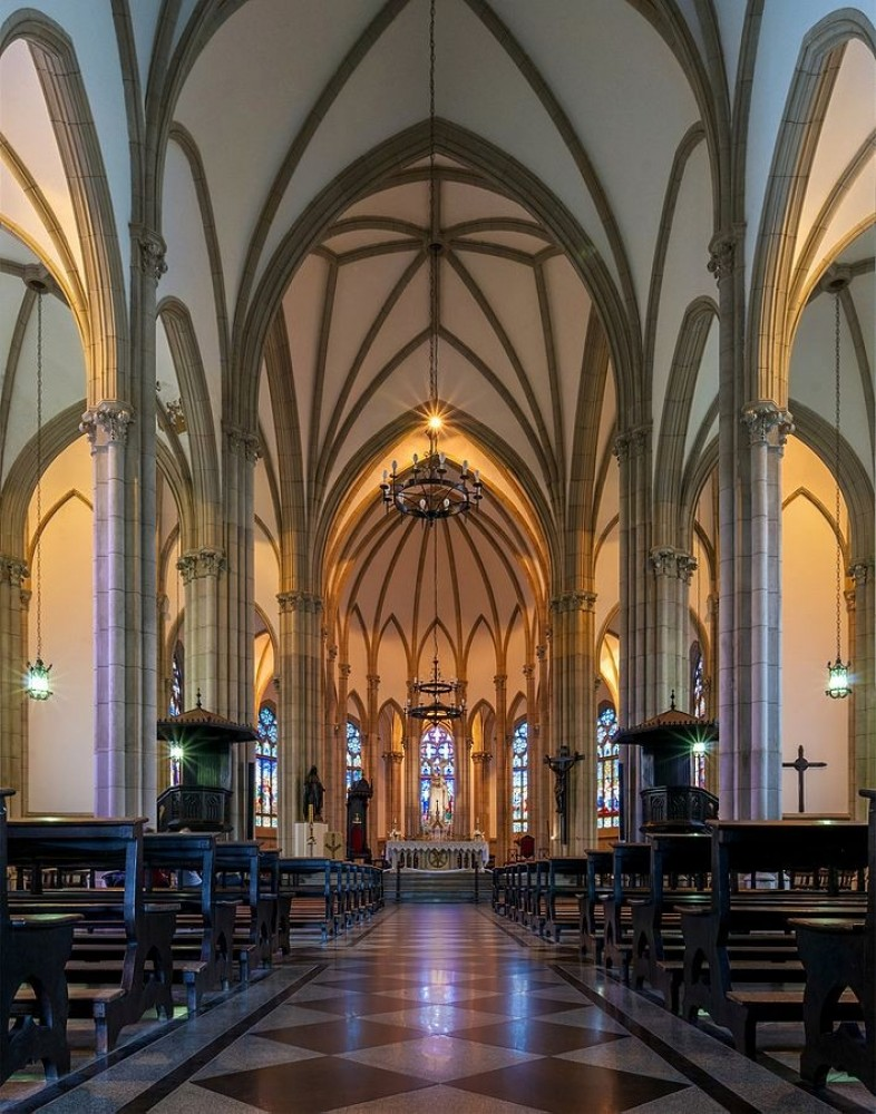 sight in cathedral essay Emergency, by dennis johnson and cathedral, by raymond just as there are in cathedral physical sight is differentiated from insight into related essays:.